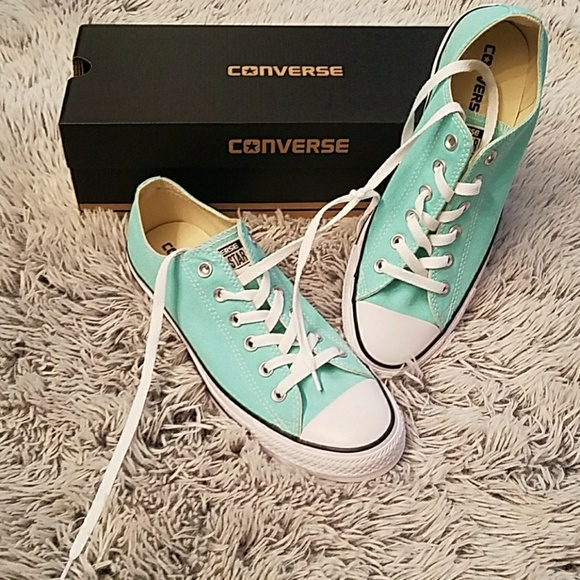 a761a5f6d68f NEW WITH BOX! Converse Aruba Blue sz 8 sz 10